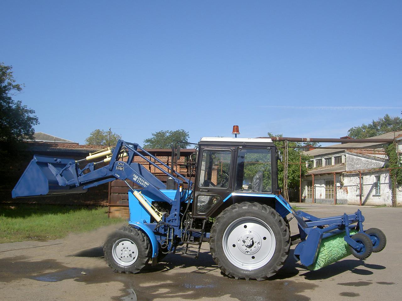 МУП-351 с отвалом и щеткой