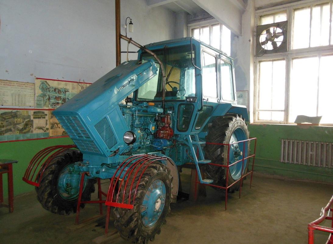 Шефская помощь учебным заведениям Беларуси